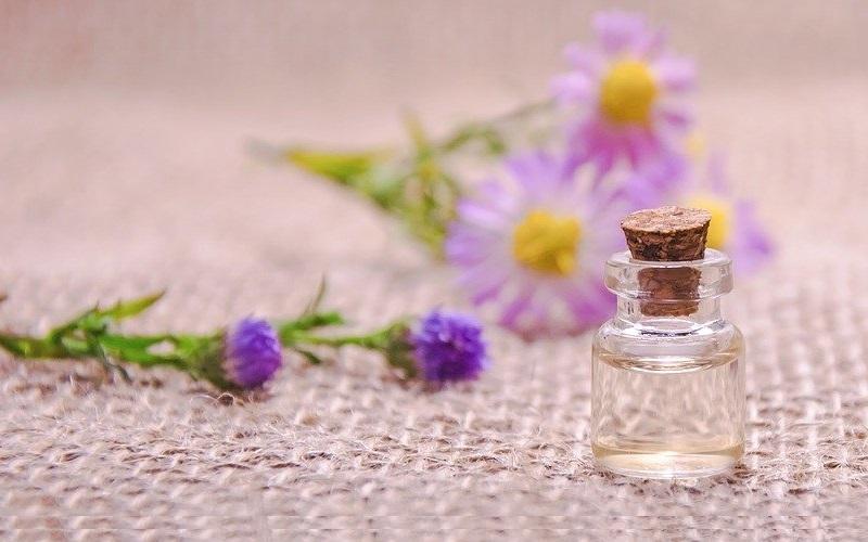 Membawa Minyak Angin & Aroma Terapi