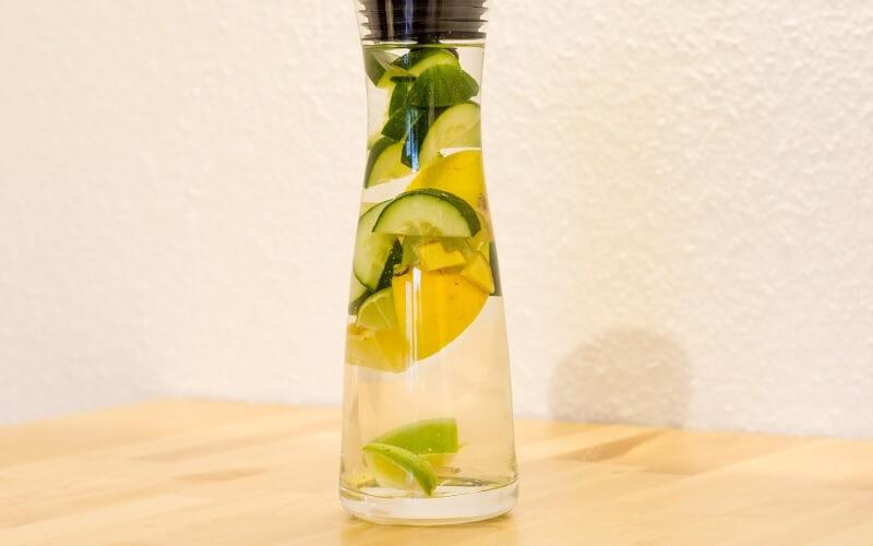 Infused Water Mentimun dan Lemon